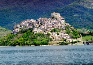 castel-di-tora1
